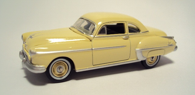 Johnny Lightning: 1950 Oldsmobile Rocket 88. DSC04412_zps530c9a95