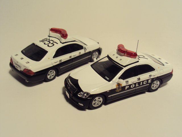 Rai´s 1/64: Toyota Crown 180 Patrol car. DSC03400_zps0e2ed40b