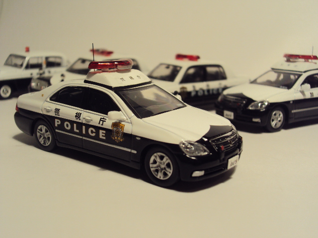 Rai´s 1/64: Toyota Crown 180 Patrol car. DSC03406_zpsd2aba084
