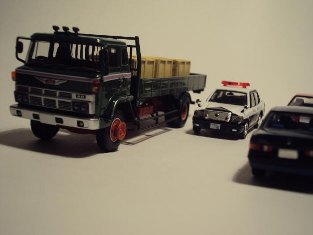 TLV-N44c: Hino KB324 Flatbed truck. DSC00574_zps79e35a67