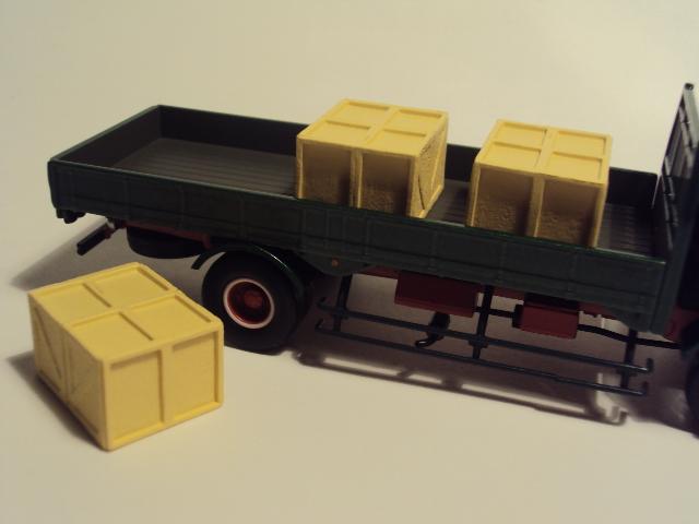 TLV-N44c: Hino KB324 Flatbed truck. DSC00577_zpsfc9bc4f7