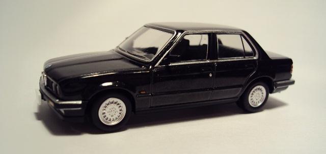 TLV-N91/93: BMW E30 Coupe/Sedán. DSC04166_zps228fb343