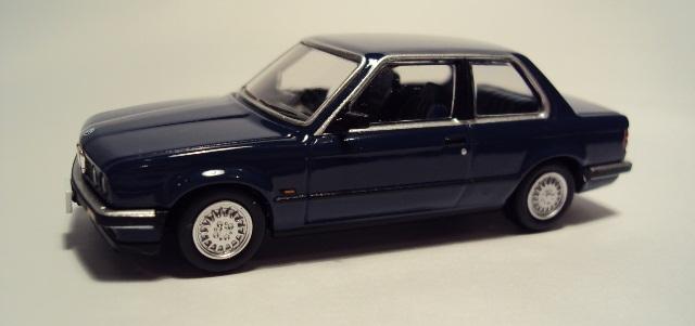TLV-N91/93: BMW E30 Coupe/Sedán. DSC04169_zpsce1e18bb