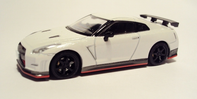 TLV-N100 & 101: Nissan GT-R Nismo/N-Attack. DSC07353_zps0br1eezy