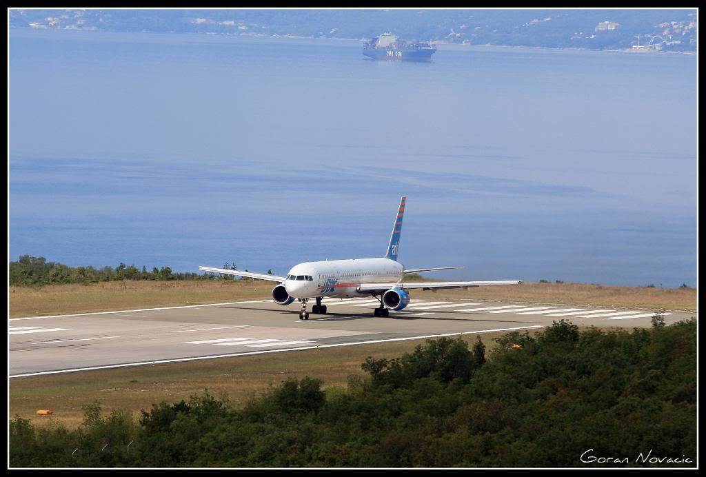 Zračna luka Rijeka - Page 4 IMG_4224