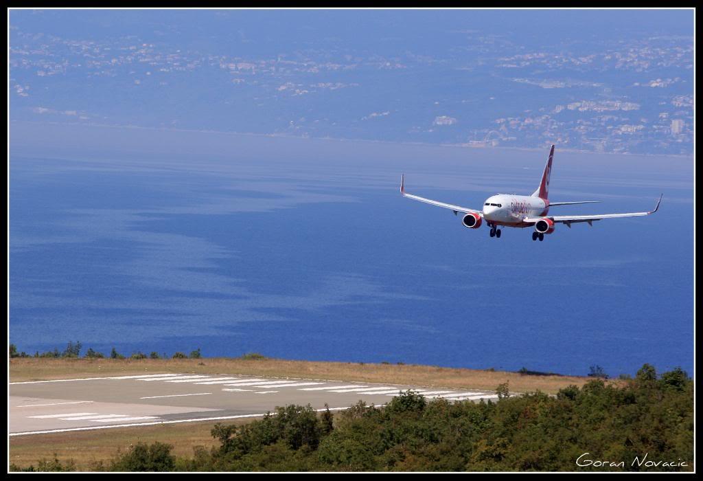 Zračna luka Rijeka - Page 4 IMG_4369
