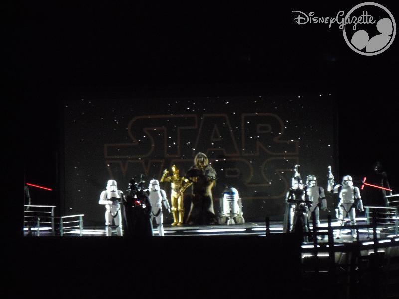 DisneyLand Paris - Star Wars Season Of the force 114344_zps6a88i4h2