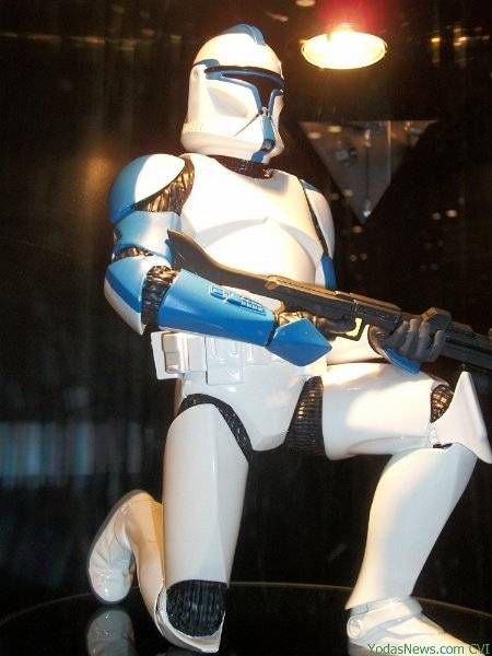 GG - Blue Clone Trooper Statue BlueClone04