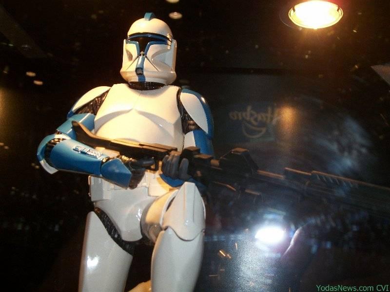 GG - Blue Clone Trooper Statue BlueClone05