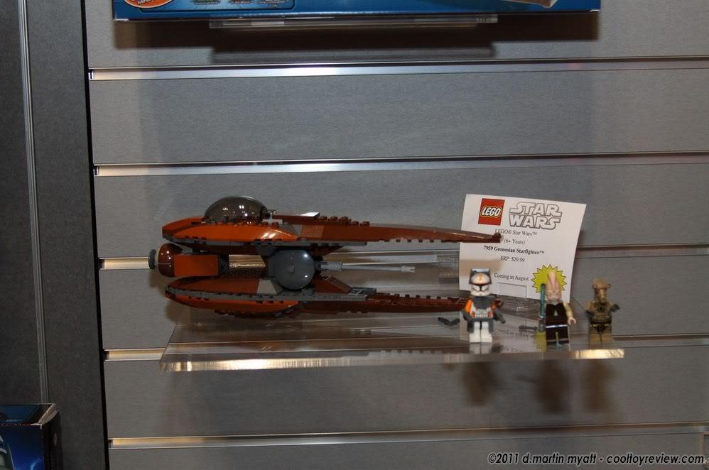 Lego - 7959 - Geonosian Starfighter  LegoGeonodian01