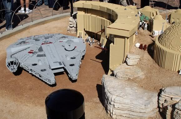 STAR WARS Miniland - LEGOLAND California  - Page 2 Star-wars-legoland-miniland-04