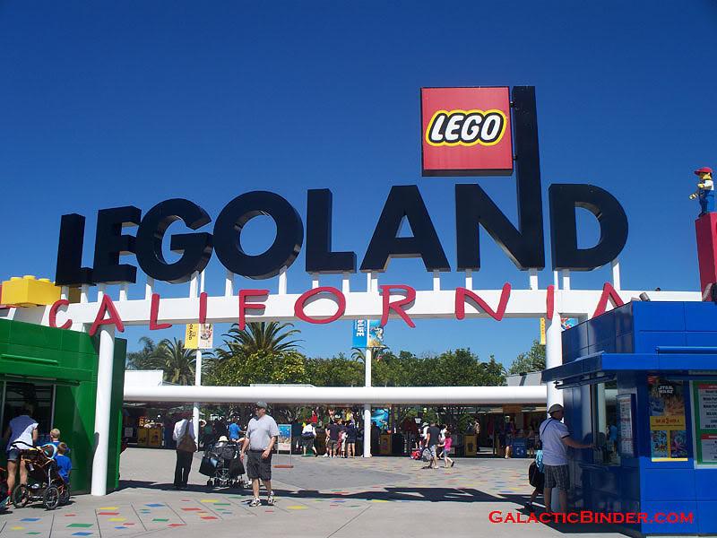 STAR WARS Miniland - LEGOLAND California  - Page 2 SwLegoLand01