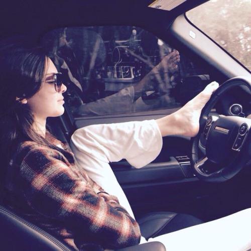 Kendall Jenner/კენდალ ჯენერი - Page 3 6523bd6f0581a1b988e33f9d277b4845