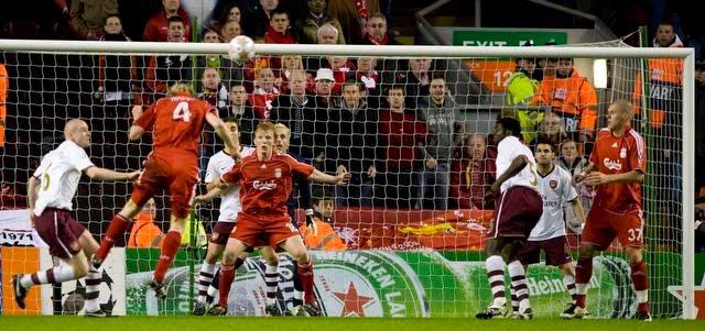 Pourquoi Arsenal n'y arrive plus ? [Article] PROP080408-23-Liverpool_Arsenal