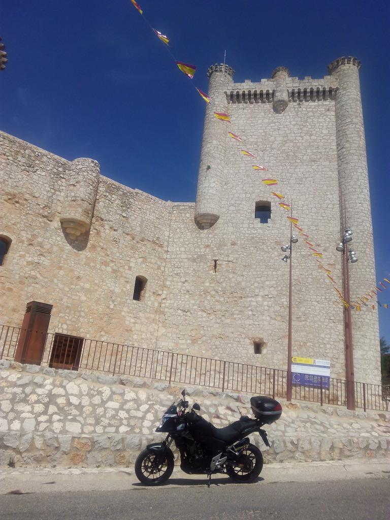 Castillos y motos - Página 5 IMG_20160902_132642_zps7eh2vcnz