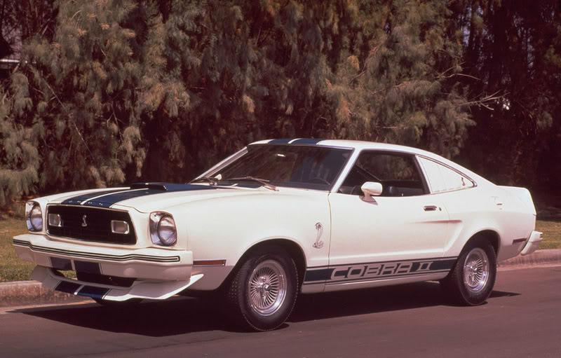 Amanece un nuevo dia {Kelly, Christine, Frankie ) 1977-Mustang-Cobra-II