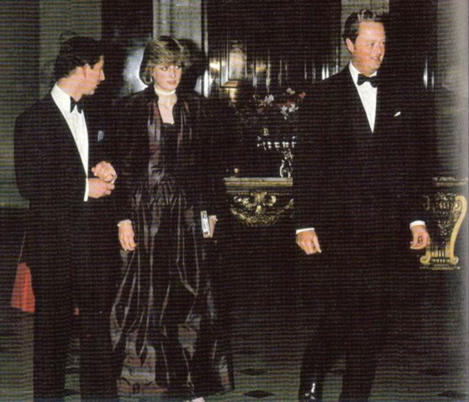 Diana Spencer, Lady Di - Página 4 JohnscottinhmontmassbkPOST