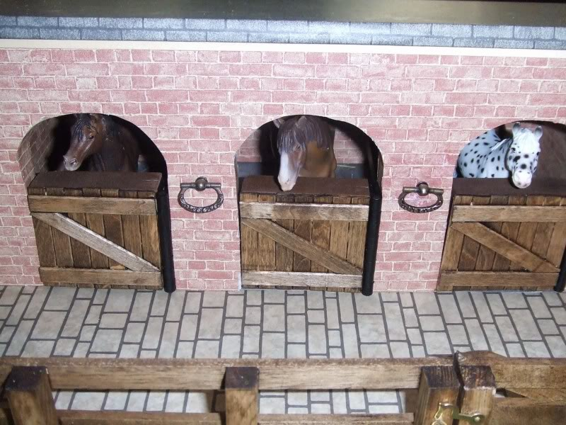 how to make your own stable/barn 2323232327Ffp53639nu337835799WSNRCG323873933nu0mrj