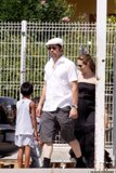 Angelina Jolie and Brad Pitt go Gerbil Shopping Th__018