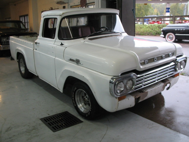1959 F100 whit Chevy 350 From Finland F1006