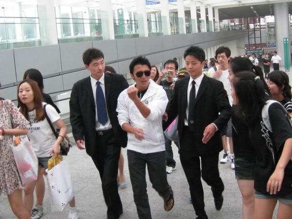 [19/7] Nic tại sân bay Bắc Kinh 01be3c84912c9a6ac75cc369