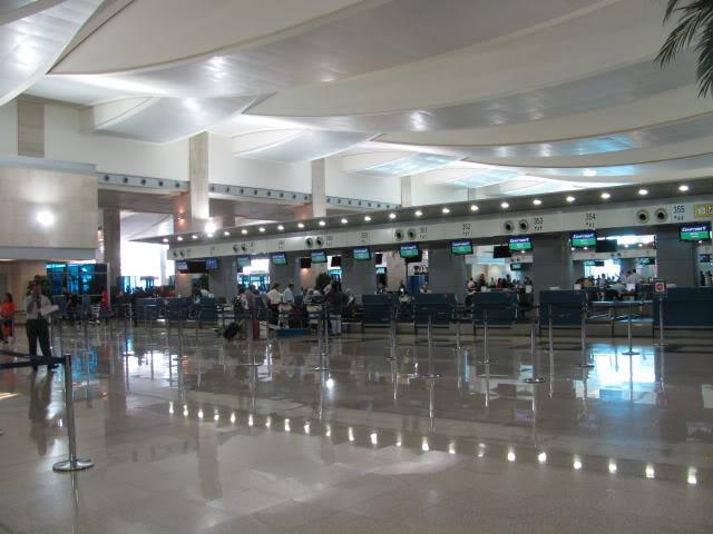 صور حديثة جدا , مبنى ( 3 ) , مطار القاهرة الدولي IMG_2329
