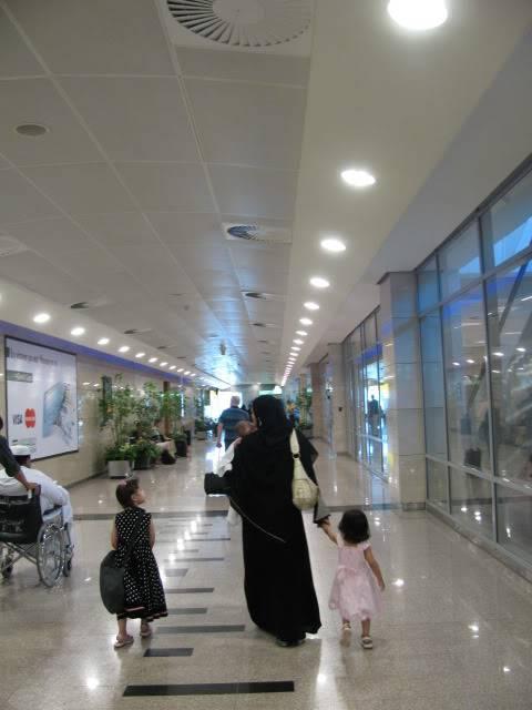 صور حديثة جدا , مبنى ( 3 ) , مطار القاهرة الدولي IMG_2386