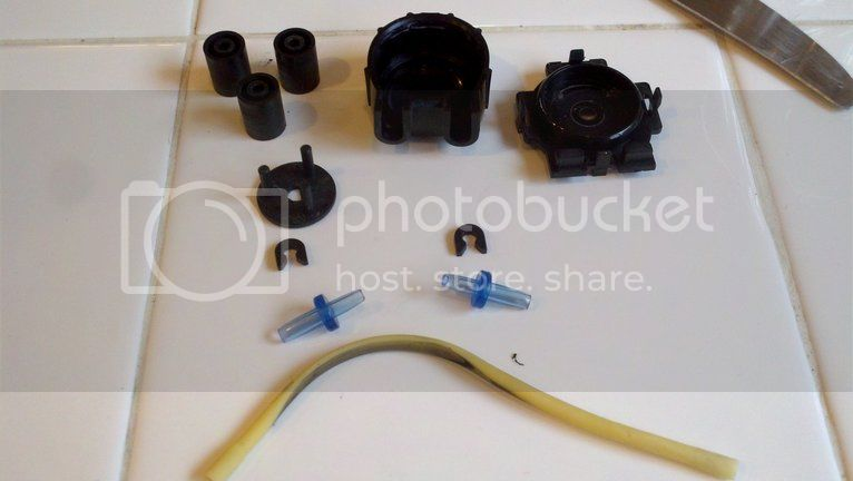 Replacing pump hoses on the Bubble Magus doser Photobucket-21469-1334112695945