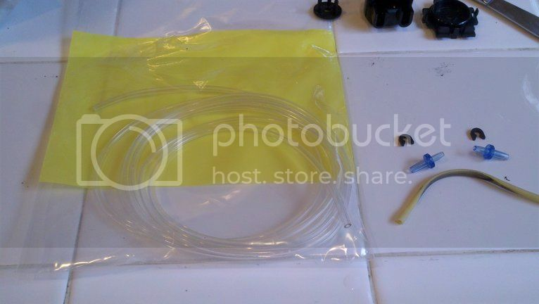 Replacing pump hoses on the Bubble Magus doser Photobucket-3322-1334112723996