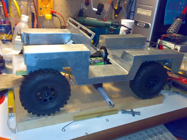 Proyecto Land Rover 88 Militar RC en Chapa 88M040