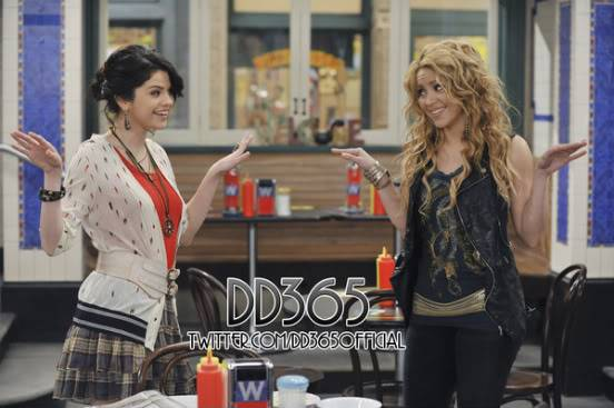 Two new stills from WOWP with Shakira 76290482