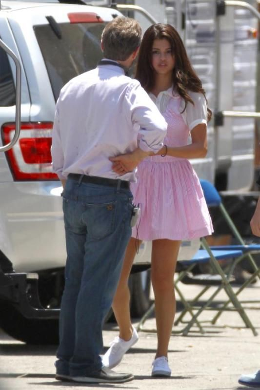 Selena Gomez[5] - Page 4 003