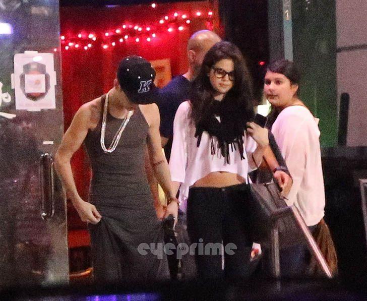 Justin Bieber and Selena Gomez - Page 40 Gomezbiebs_eyeprime_32