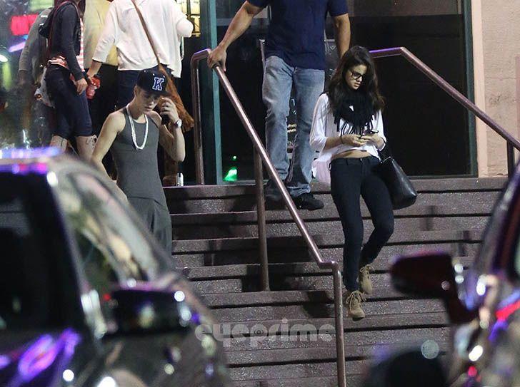 Justin Bieber and Selena Gomez - Page 40 Gomezbiebs_eyeprime_41