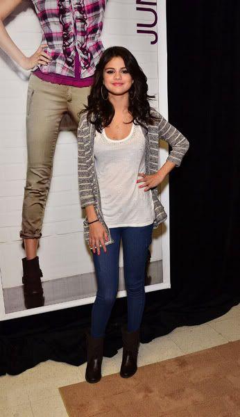 Selena Gomez[2] - Page 5 121444308inarijny819201112227PM
