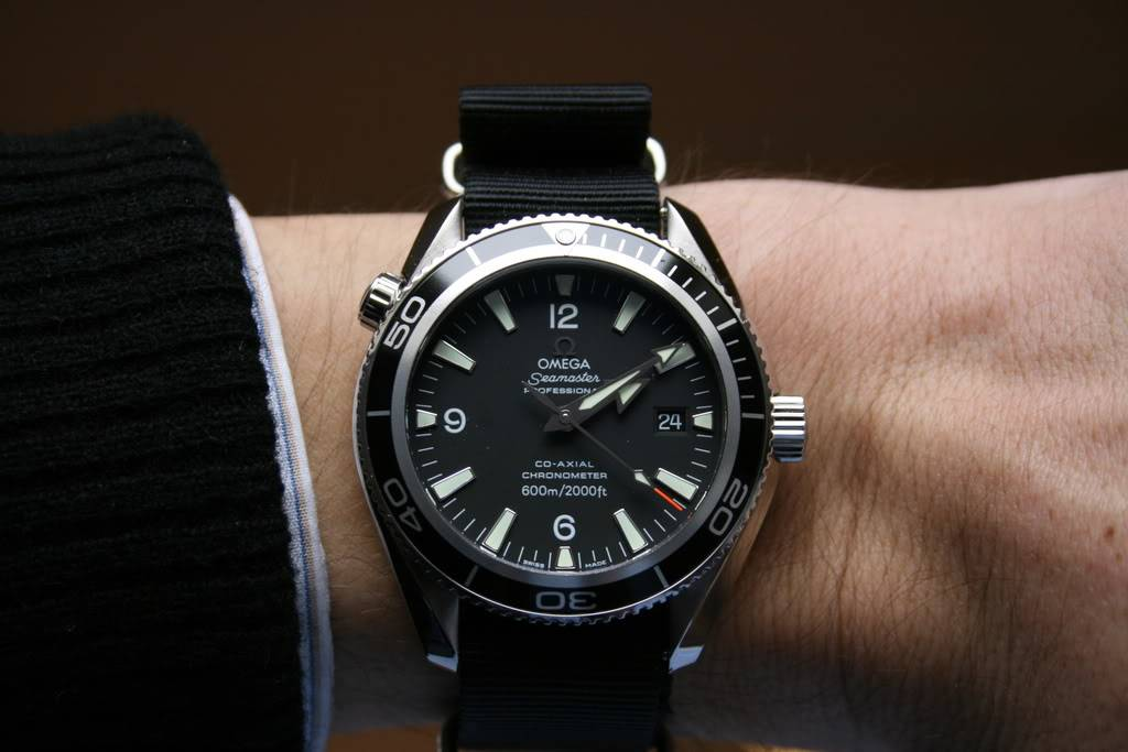Mon Omega Planet Ocean 2201 50 00 - Page 6 Planet001