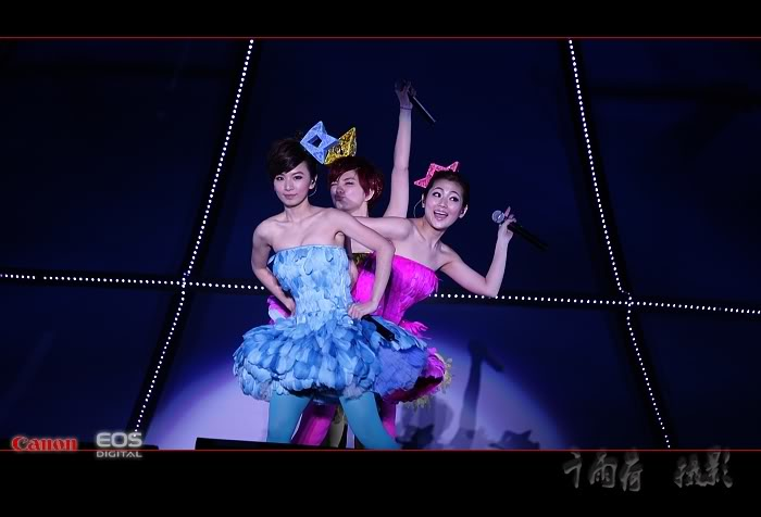 S.H.E is the One @ Luoyang 1004110041bf92ff31fd4b664b