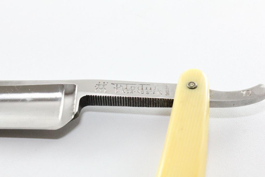 Cherche main d'oeuvre forumesque pour CC a rendre Shave ready (photos !!!!) Frio2_zpsd2029eee