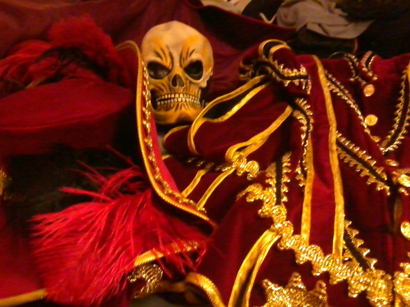 Phantom costumes - real and replicas - Page 7 IMG_20121017_012957