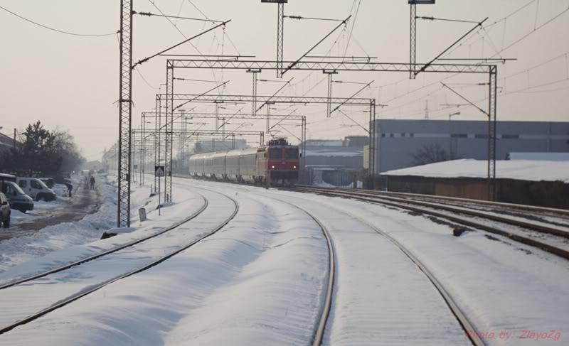 Vlakovi u daljini DSC07966