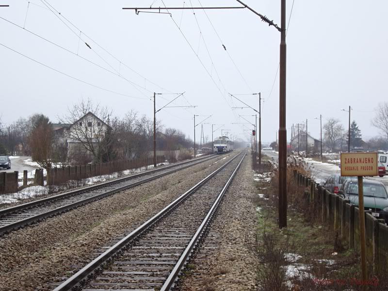 Vlakovi u daljini DSC08028