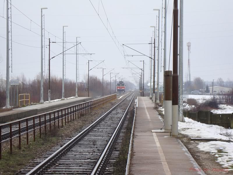 Vlakovi u daljini DSC08037