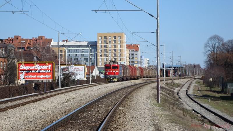 Vlakovi u daljini DSC08156