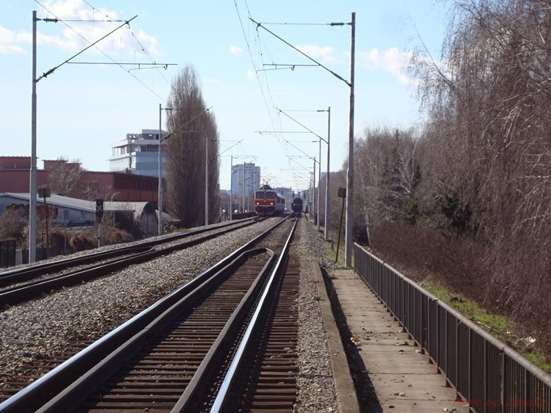 Vlakovi u daljini DSC08161