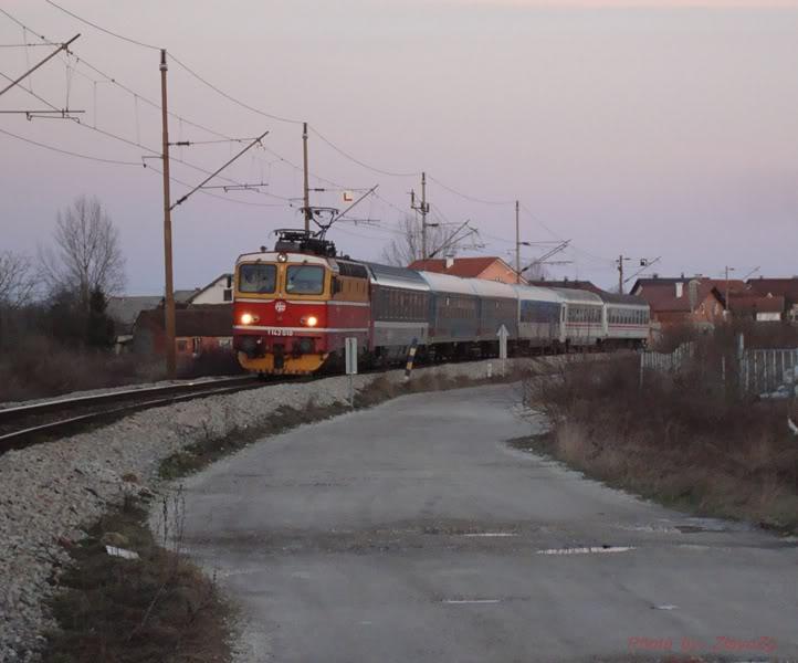 Vlakovi u daljini - Page 2 DSC08309