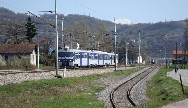 Vlakovi u daljini - Page 2 DSC08923