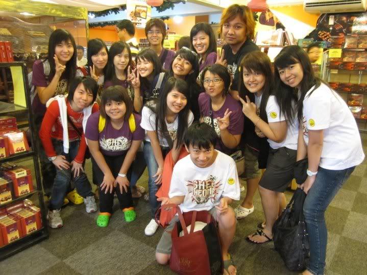 Pengalaman Nonton bareng Konser S.H.E di Malaysia~6March 2010 Malay8
