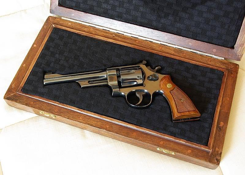 Pourquoi je ne trouve pas de Smith & Wesson modèle 27 ? - Page 3 Box3