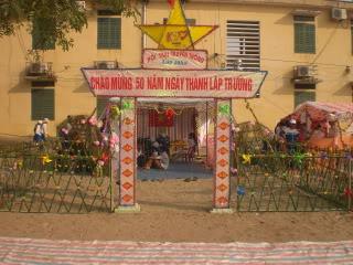 [Image]Tổng hợp cổng trại các lớp 10a10