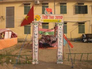 [Image]Tổng hợp cổng trại các lớp 10a12